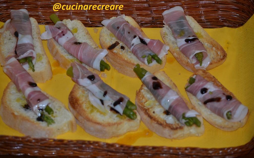 Cucinare creare blog archive crostini con prosciutto for Cucinare asparagi